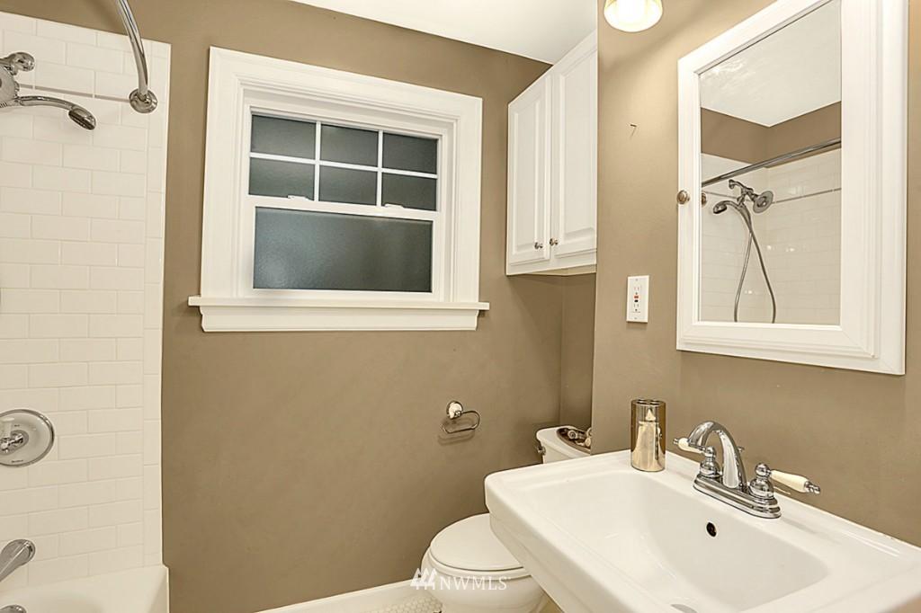 Sold Property | 15715 Greenwood Avenue N Shoreline, WA 98133 11