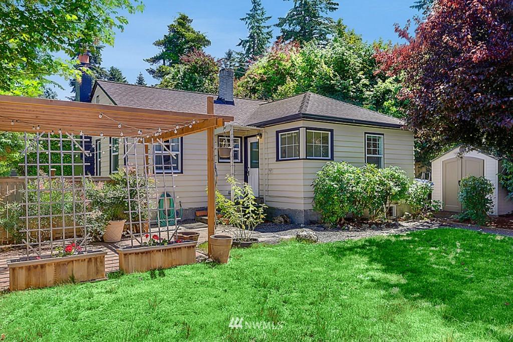 Sold Property | 15715 Greenwood Avenue N Shoreline, WA 98133 15