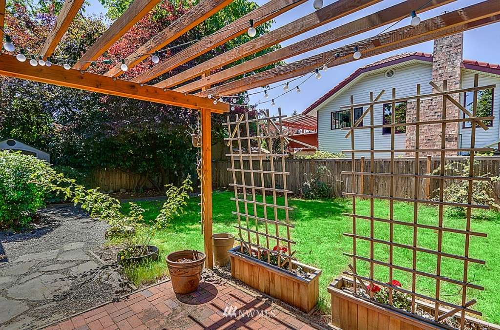 Sold Property | 15715 Greenwood Avenue N Shoreline, WA 98133 16