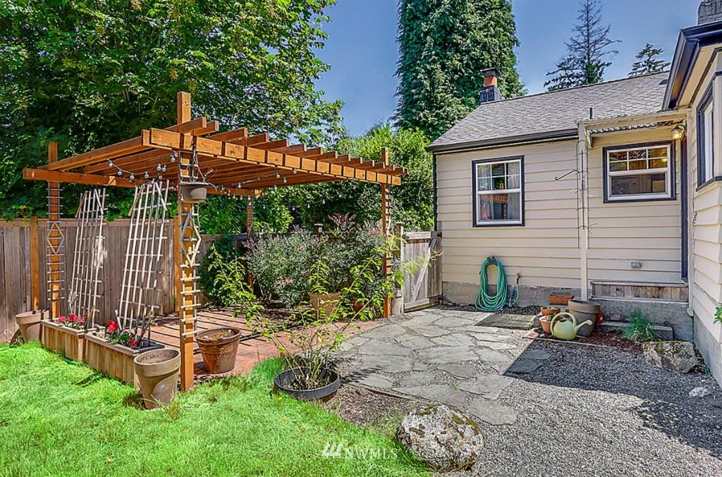 Sold Property | 15715 Greenwood Avenue N Shoreline, WA 98133 17