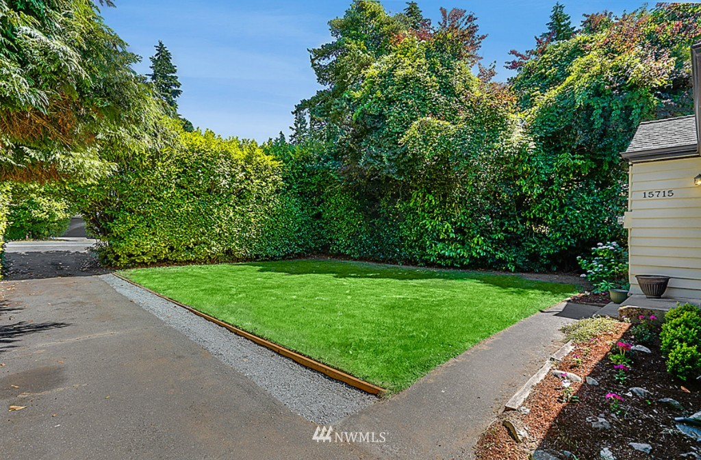 Sold Property | 15715 Greenwood Avenue N Shoreline, WA 98133 18