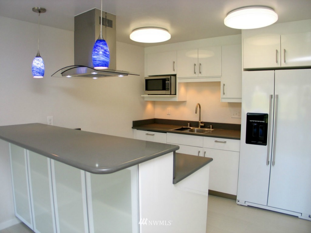 Sold Property | 2348 Fairview Avenue E #402 Seattle, WA 98102 1