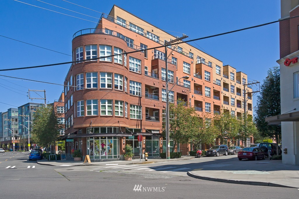 Sold Property | 410 NE 70th Street #407 Seattle, WA 98115 0