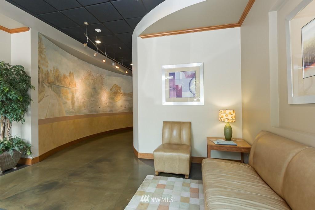 Sold Property   410 NE 70th Street #407 Seattle, WA 98115 2