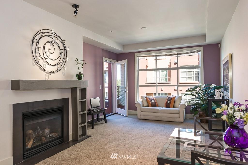 Sold Property   410 NE 70th Street #407 Seattle, WA 98115 4