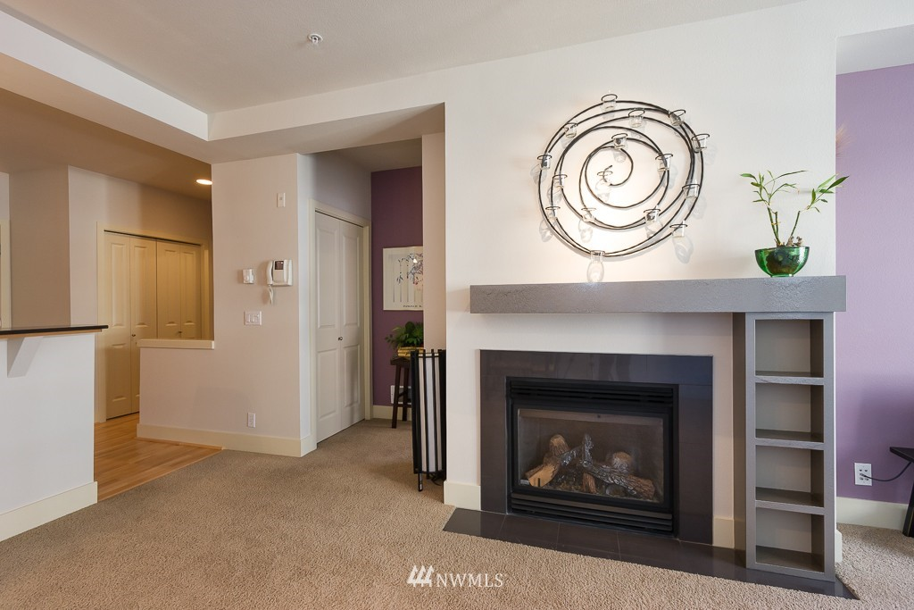 Sold Property | 410 NE 70th Street #407 Seattle, WA 98115 6