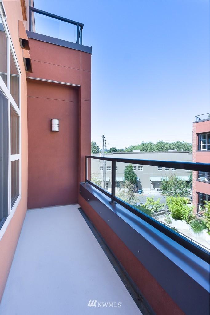 Sold Property   410 NE 70th Street #407 Seattle, WA 98115 7