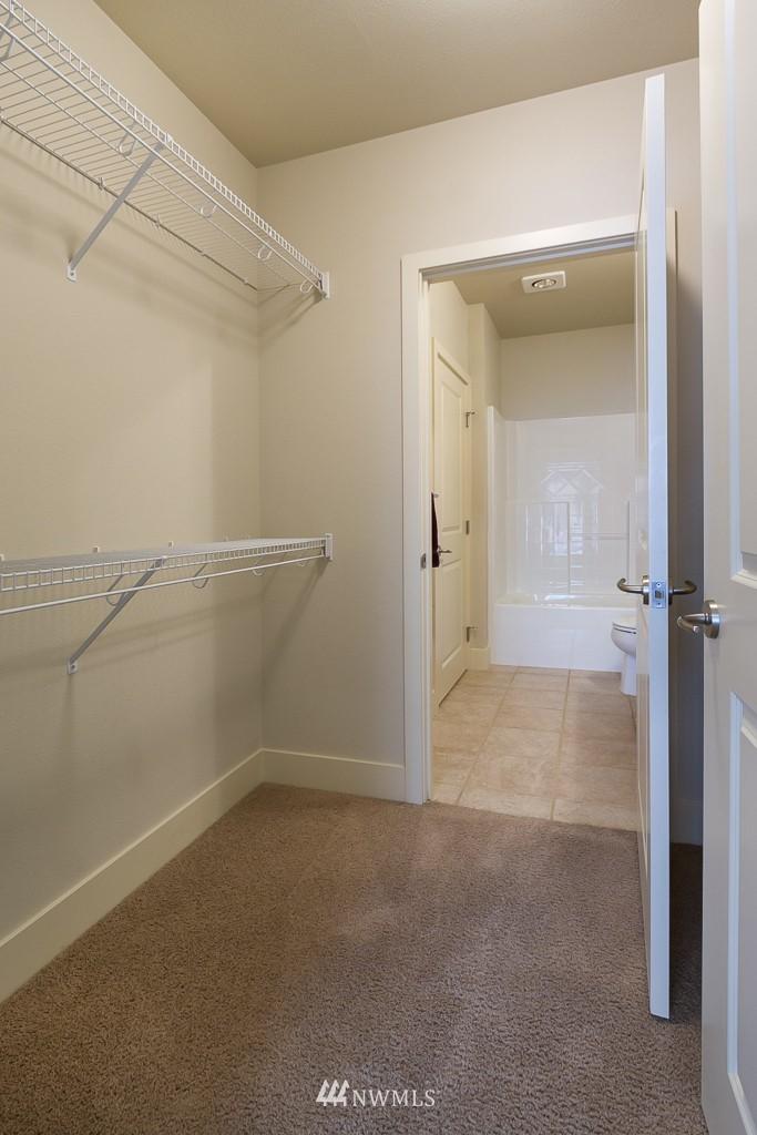 Sold Property   410 NE 70th Street #407 Seattle, WA 98115 11