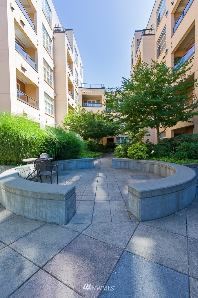 Sold Property | 410 NE 70th Street #407 Seattle, WA 98115 13