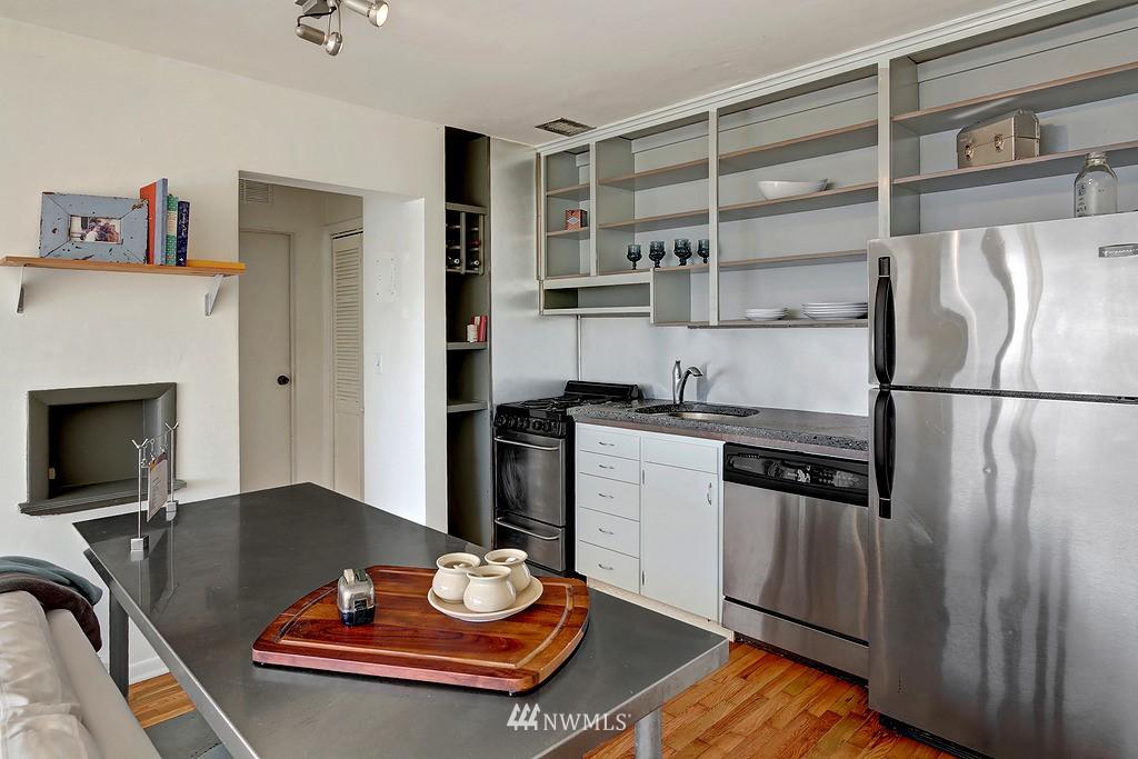 Sold Property | 515 W Olympic Place #1 Seattle, WA 98119 5