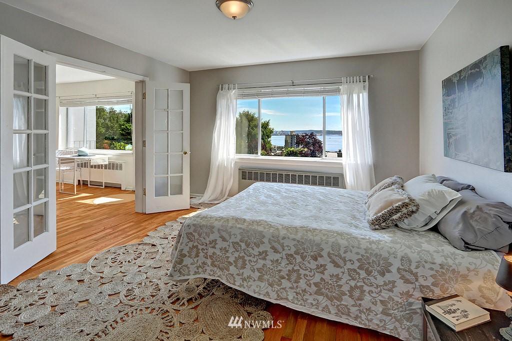 Sold Property | 515 W Olympic Place #1 Seattle, WA 98119 6