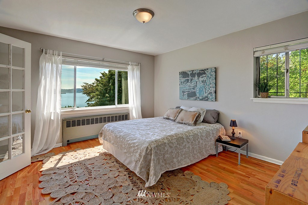 Sold Property | 515 W Olympic Place #1 Seattle, WA 98119 7