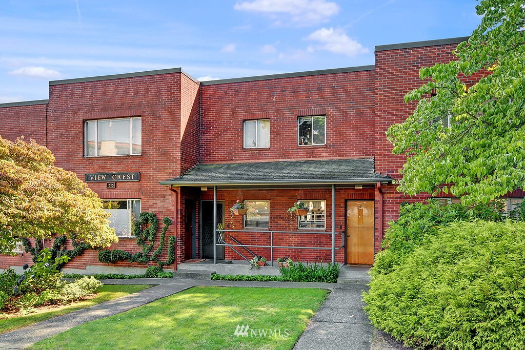 Sold Property | 515 W Olympic Place #1 Seattle, WA 98119 9