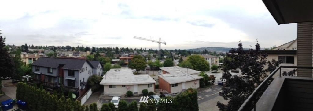 Sold Property   3890 Whitman Avenue N #301 Seattle, WA 98103 3