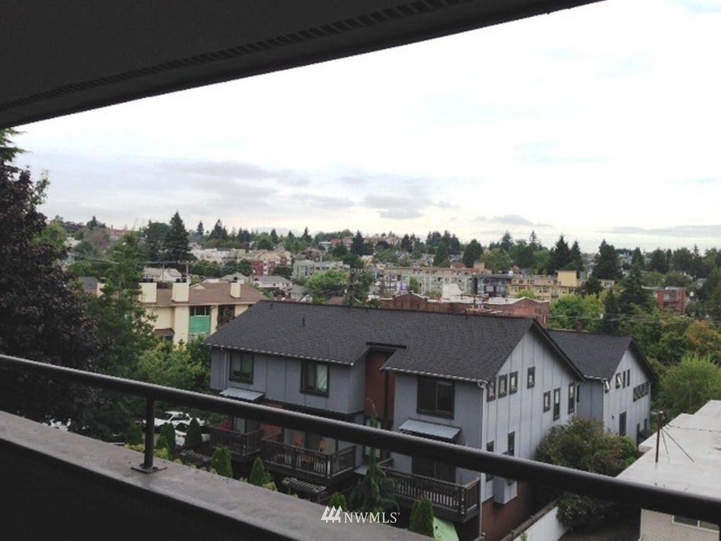 Sold Property   3890 Whitman Avenue N #301 Seattle, WA 98103 4
