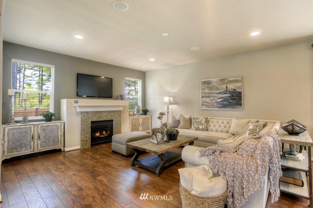 Sold Property | 8947 Corona Street NE Lacey, WA 98516 3