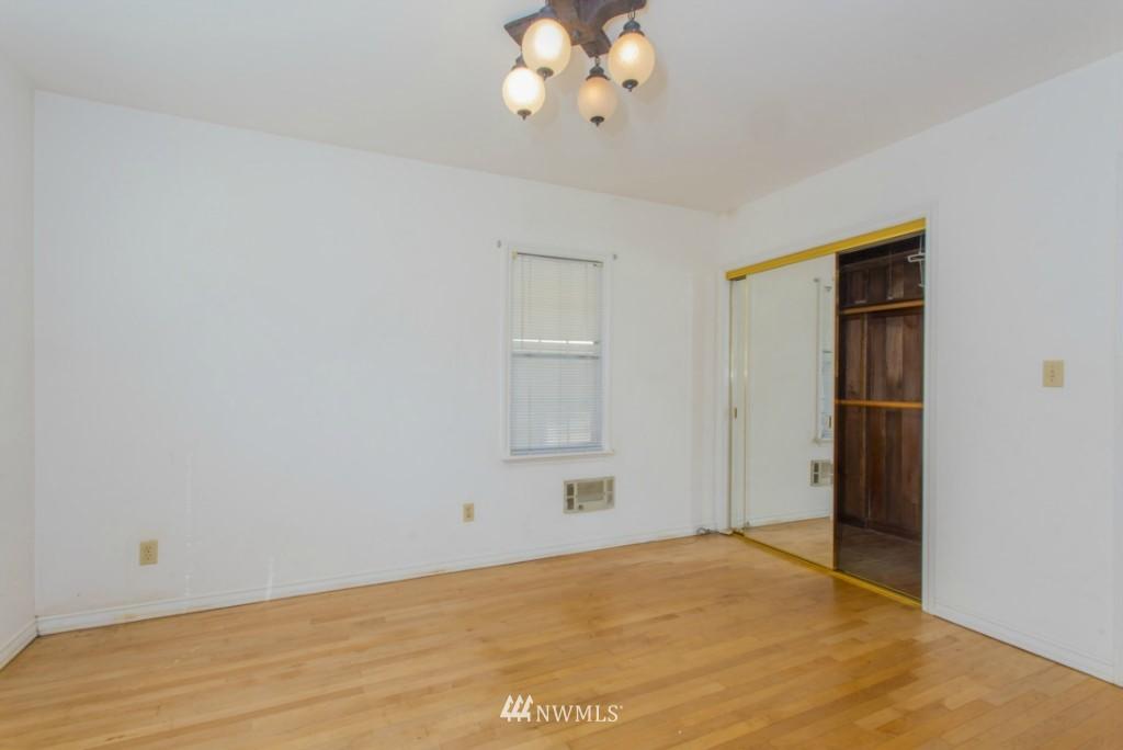 Sold Property   3722 E Jefferson Street Seattle, WA 98122 10