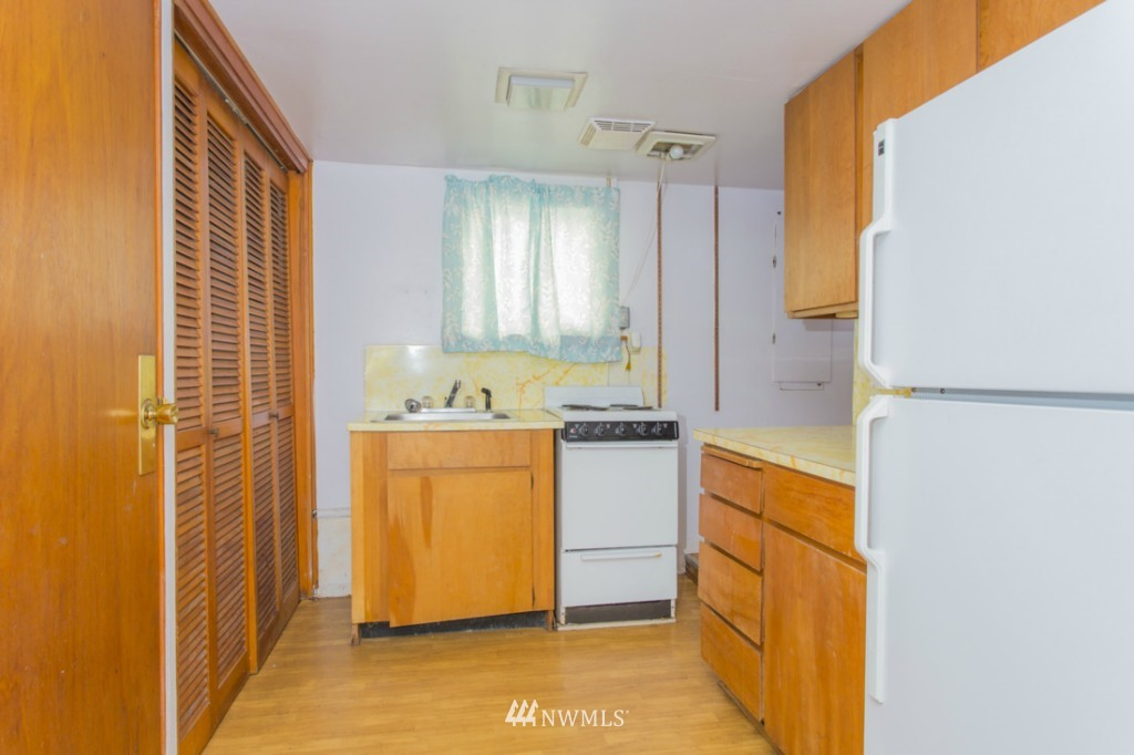 Sold Property   3722 E Jefferson Street Seattle, WA 98122 14