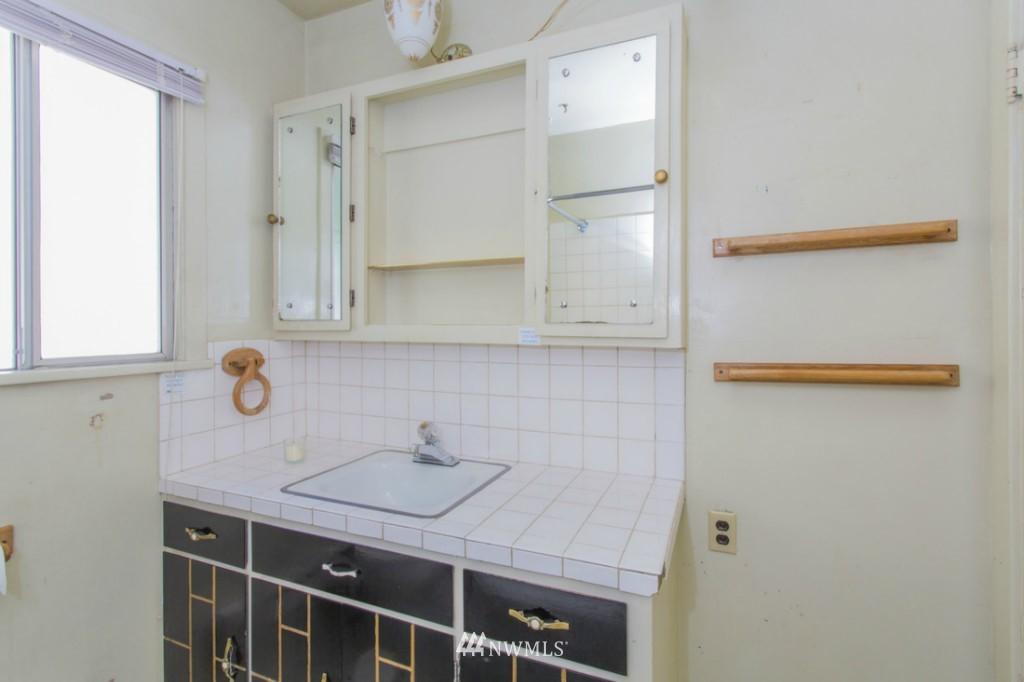 Sold Property   3722 E Jefferson Street Seattle, WA 98122 19