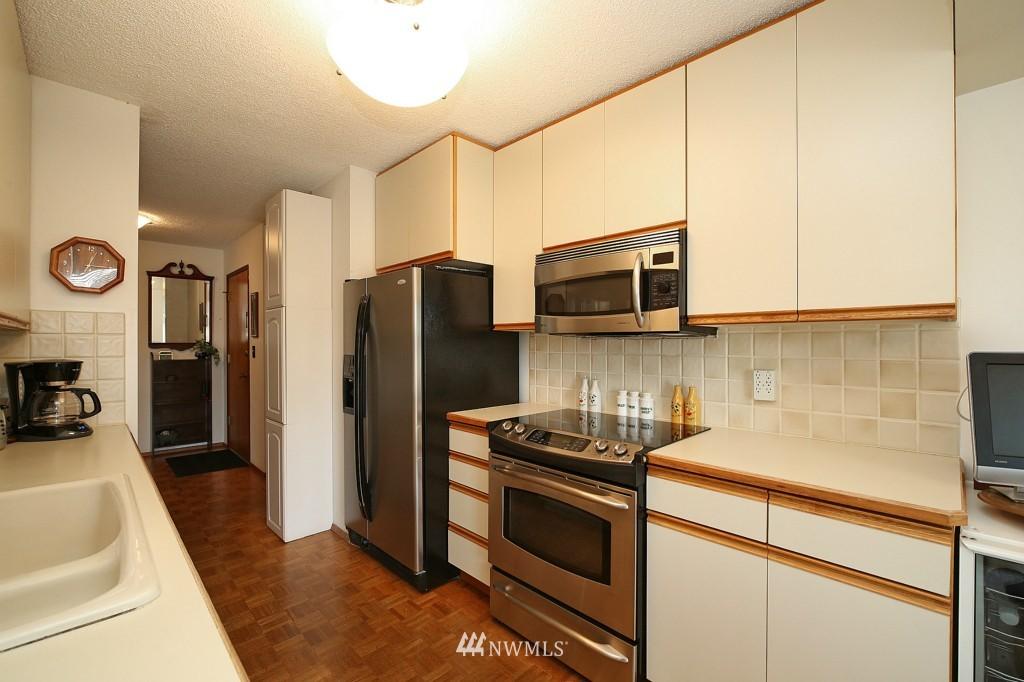 Sold Property | 13229 Linden Avenue N #405B Seattle, WA 98133 12