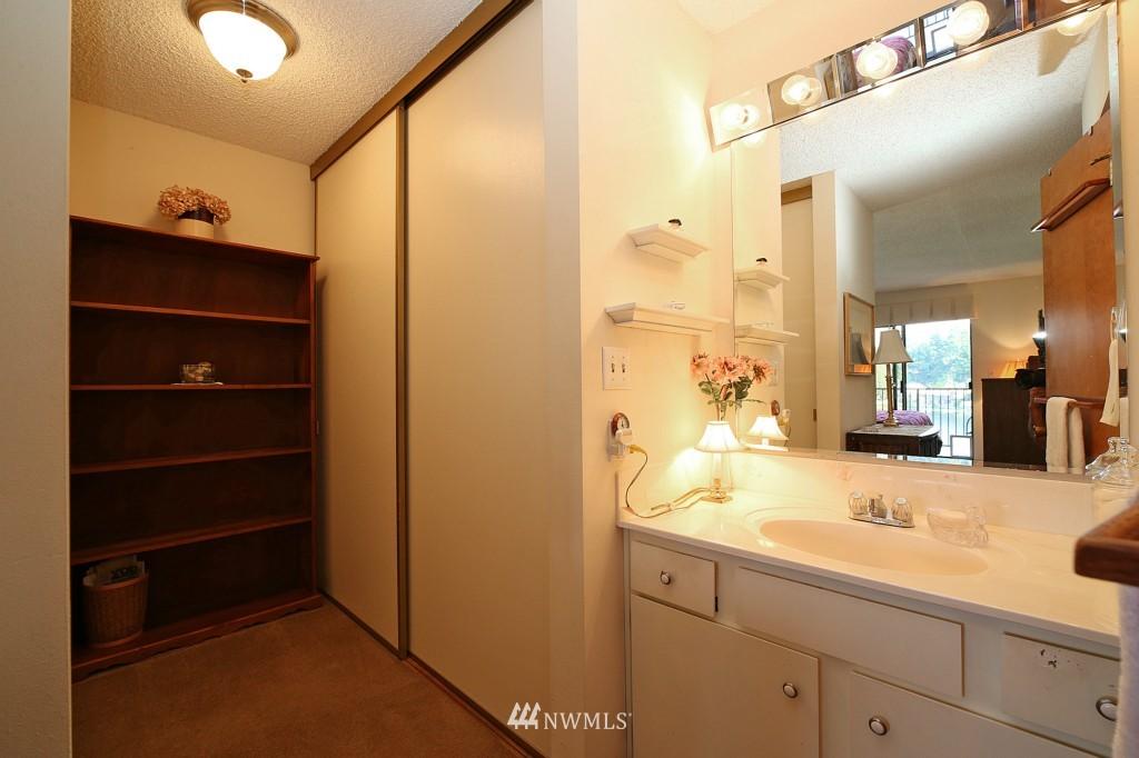 Sold Property | 13229 Linden Avenue N #405B Seattle, WA 98133 17