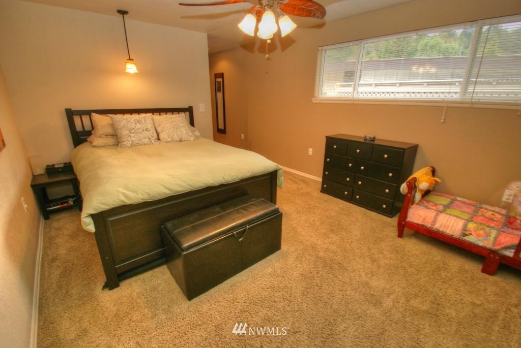 Sold Property | 13215 SE 151st Street Renton, WA 98058 17