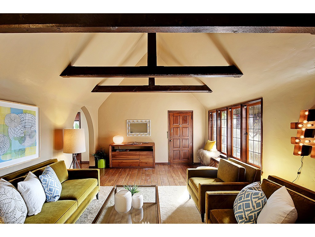 Sold Property | 750 Belmont Avenue E #17 Seattle, WA 98102 2