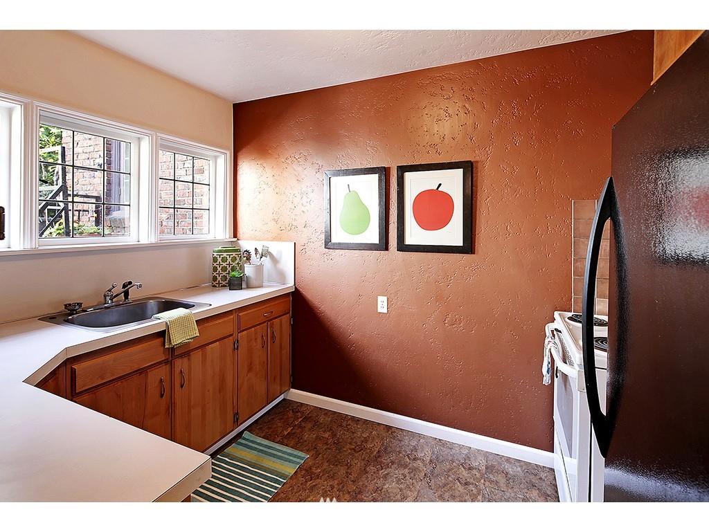 Sold Property | 750 Belmont Avenue E #17 Seattle, WA 98102 8