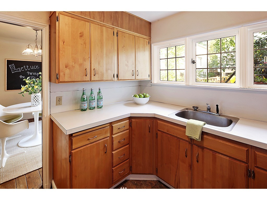 Sold Property | 750 Belmont Avenue E #17 Seattle, WA 98102 9