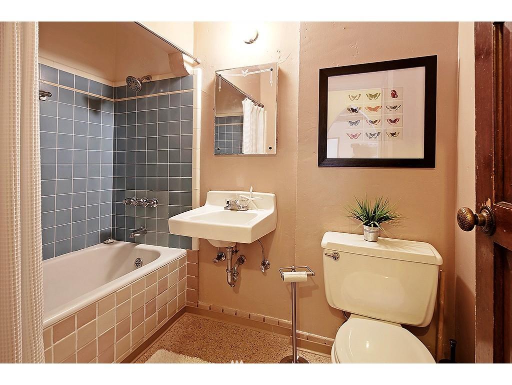 Sold Property | 750 Belmont Avenue E #17 Seattle, WA 98102 11