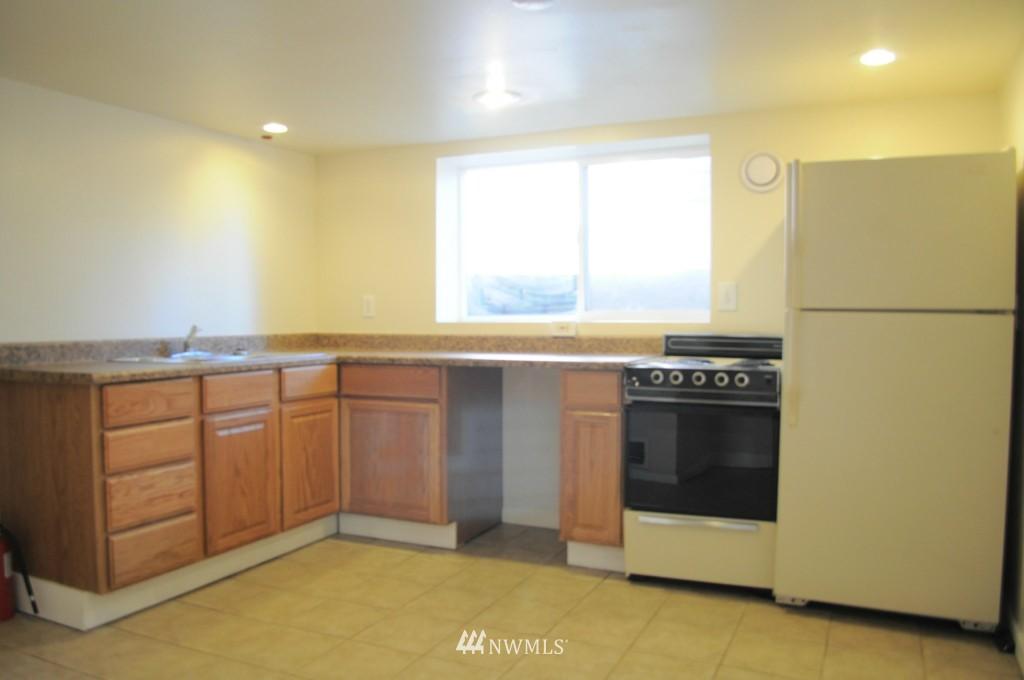 Sold Property   4708 7th Avenue NE Seattle, WA 98105 9
