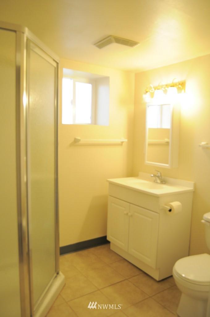 Sold Property   4708 7th Avenue NE Seattle, WA 98105 11