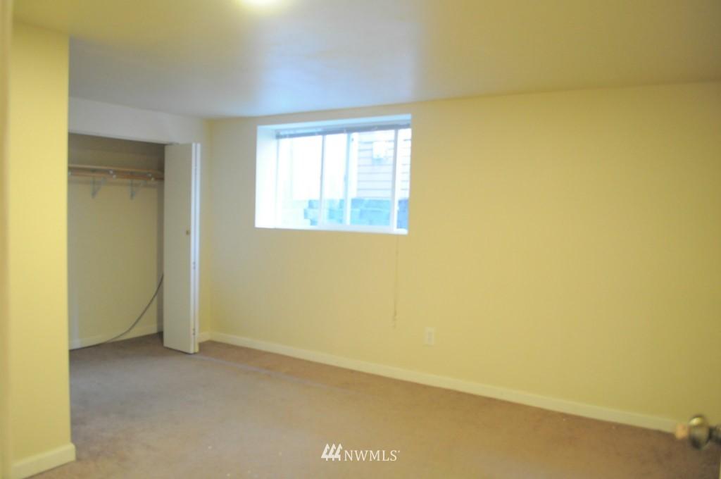 Sold Property   4708 7th Avenue NE Seattle, WA 98105 12