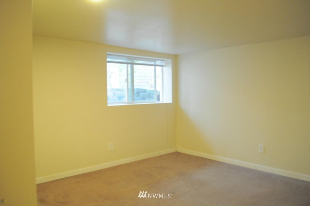 Sold Property   4708 7th Avenue NE Seattle, WA 98105 13