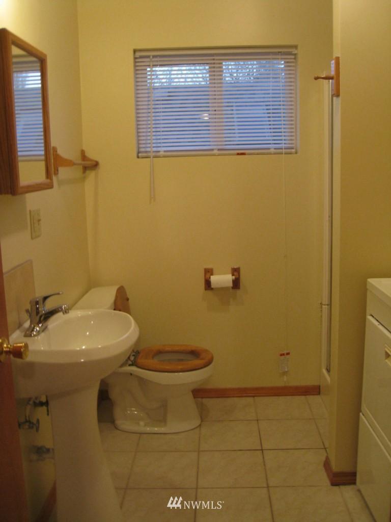 Sold Property   4708 7th Avenue NE Seattle, WA 98105 17