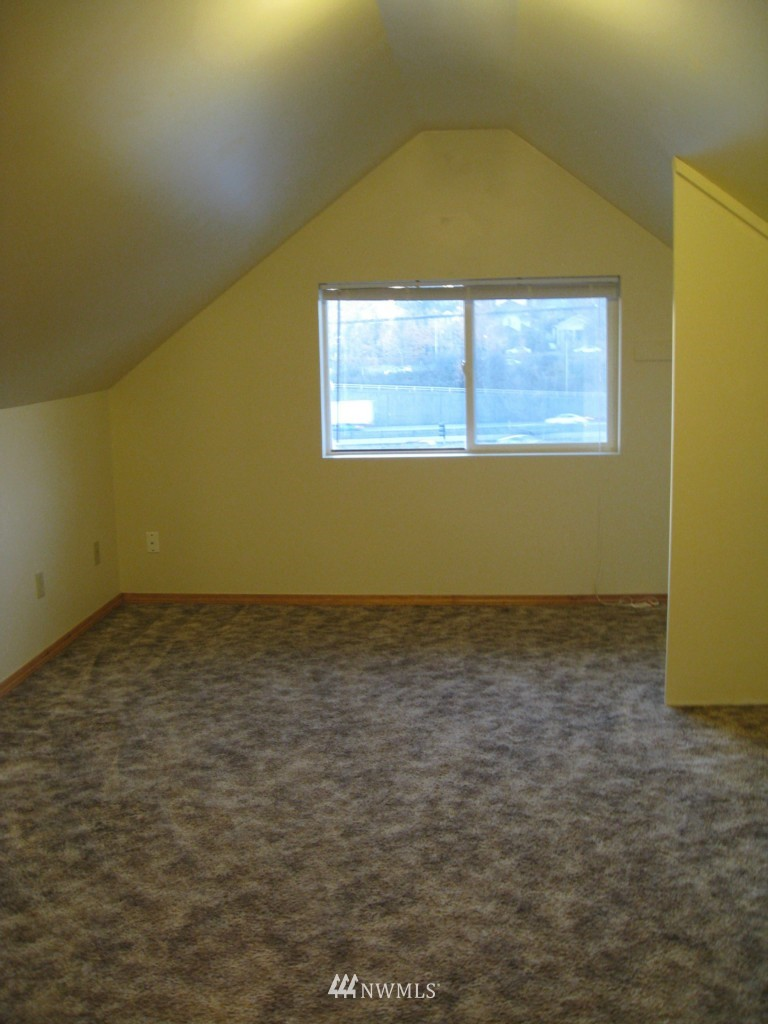 Sold Property   4708 7th Avenue NE Seattle, WA 98105 19