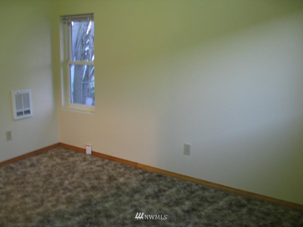 Sold Property   4708 7th Avenue NE Seattle, WA 98105 20
