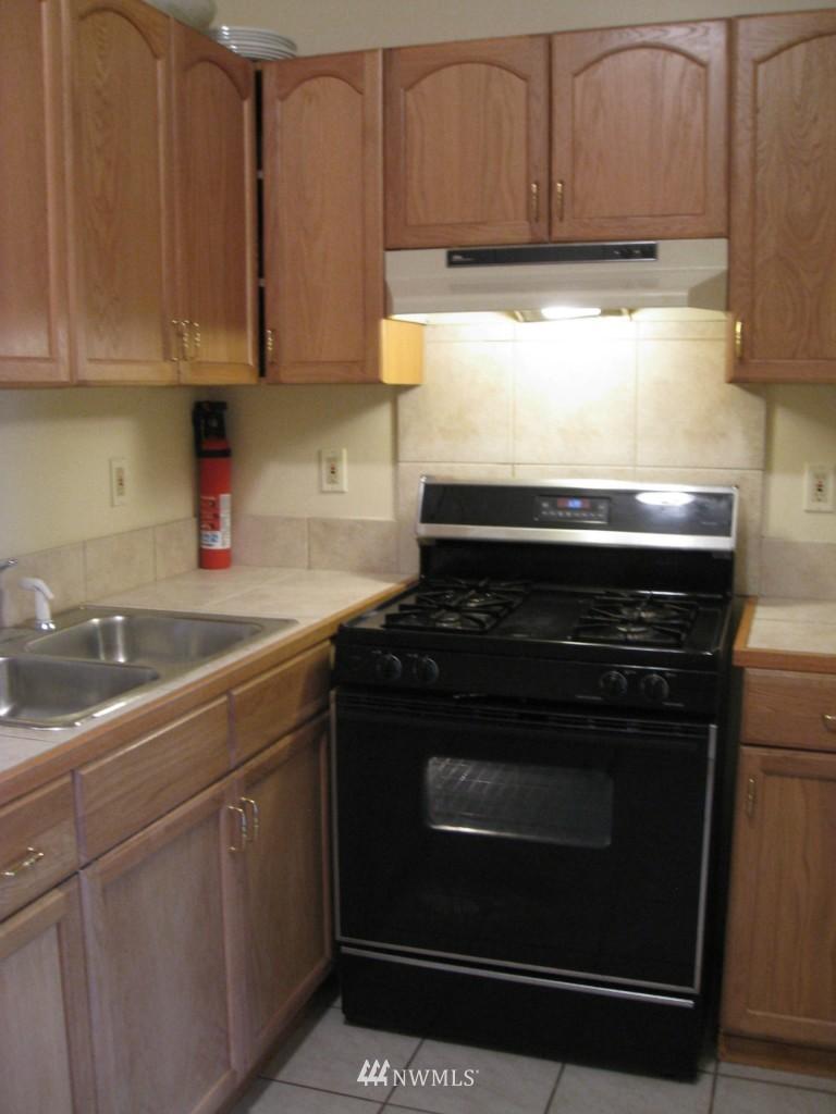 Sold Property   4708 7th Avenue NE Seattle, WA 98105 6