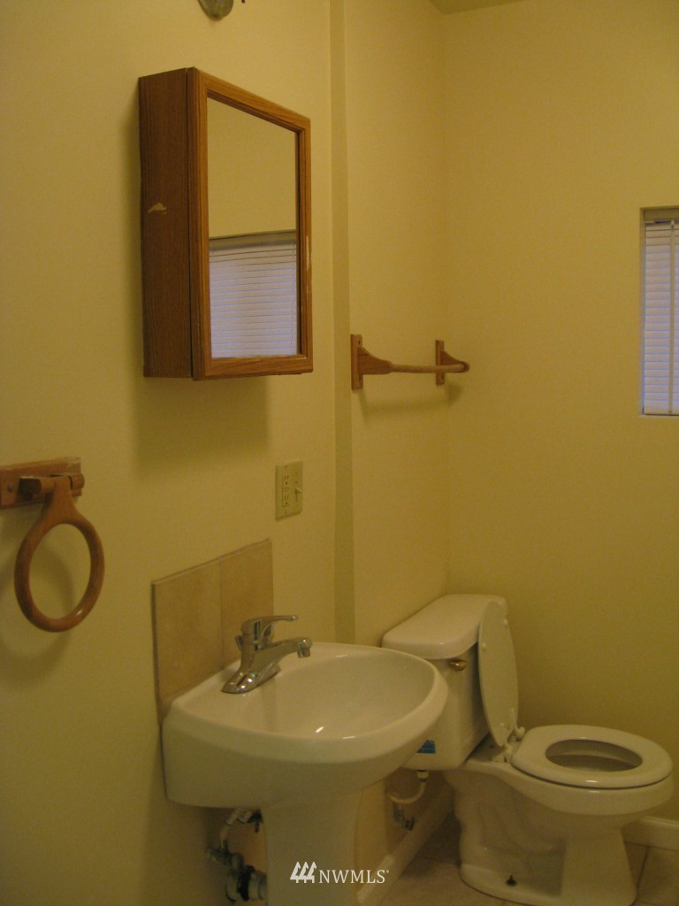 Sold Property   4708 7th Avenue NE Seattle, WA 98105 8