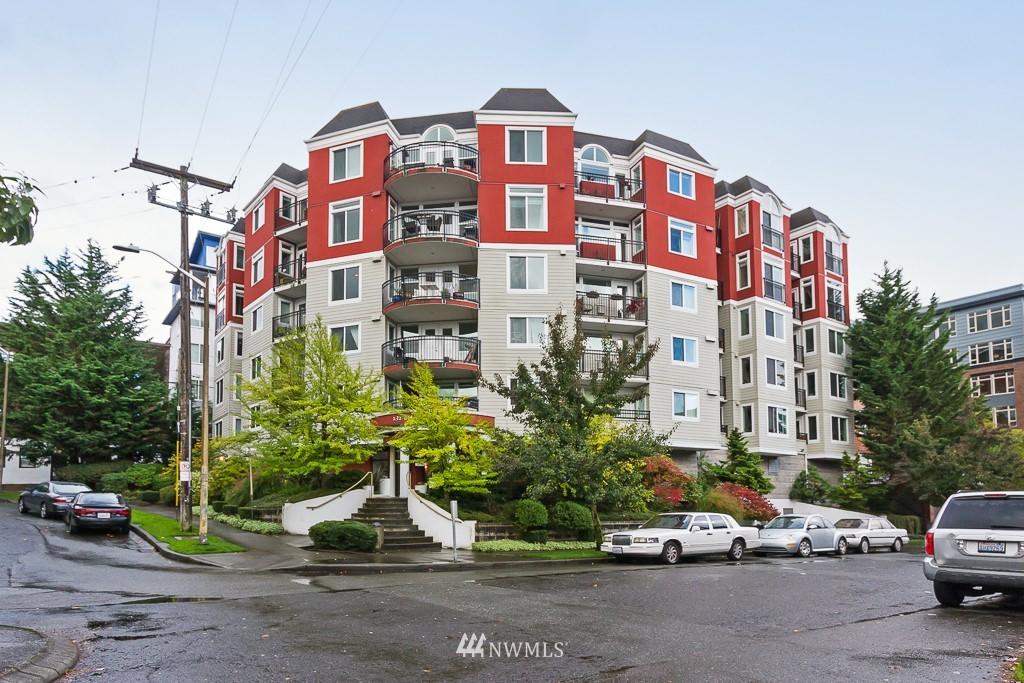 Sold Property | 232 Belmont Avenue E #403 Seattle, WA 98102 1