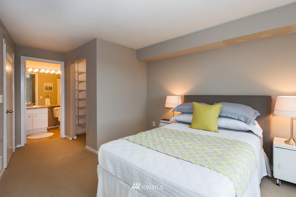 Sold Property | 232 Belmont Avenue E #403 Seattle, WA 98102 9
