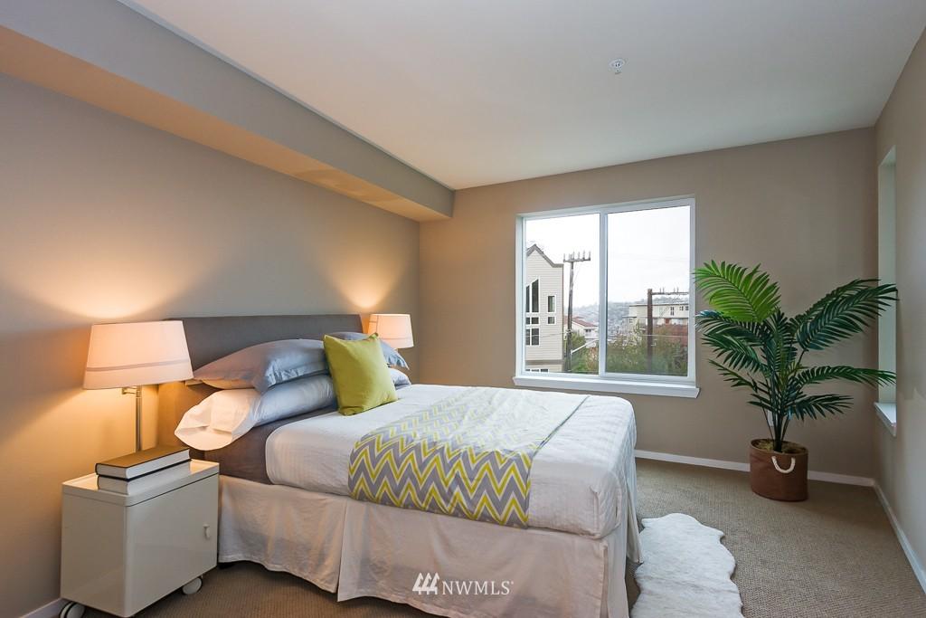 Sold Property | 232 Belmont Avenue E #403 Seattle, WA 98102 10