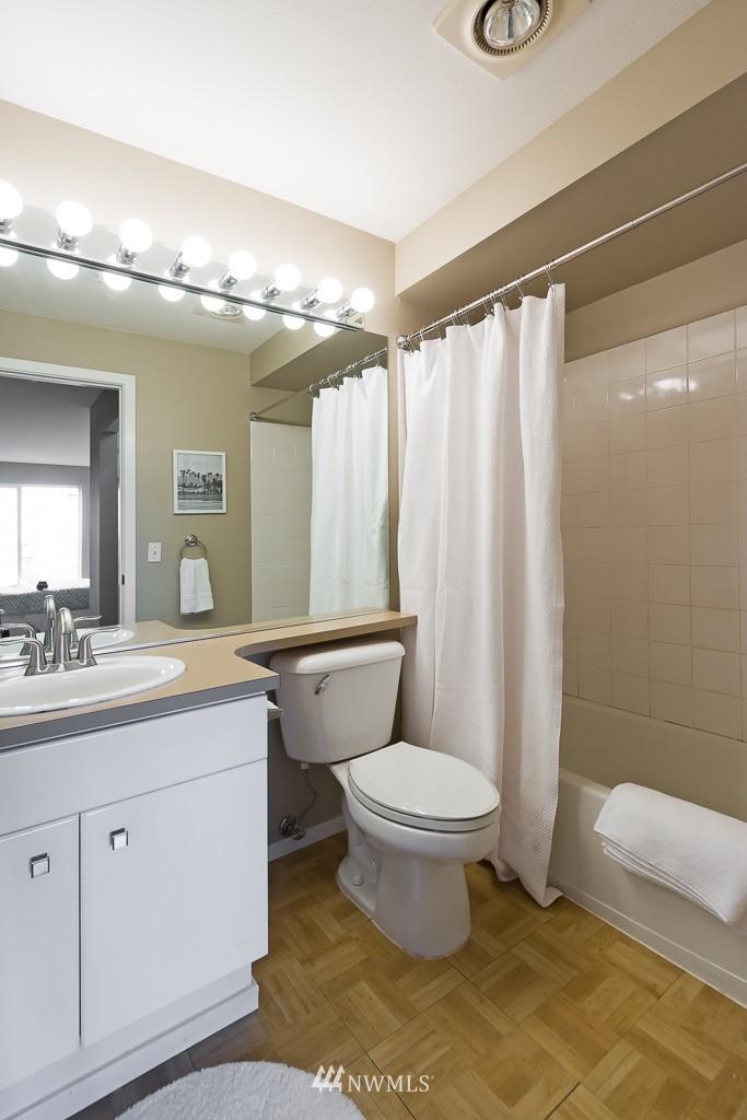 Sold Property | 232 Belmont Avenue E #403 Seattle, WA 98102 11