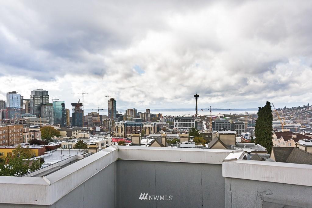 Sold Property | 232 Belmont Avenue E #403 Seattle, WA 98102 14