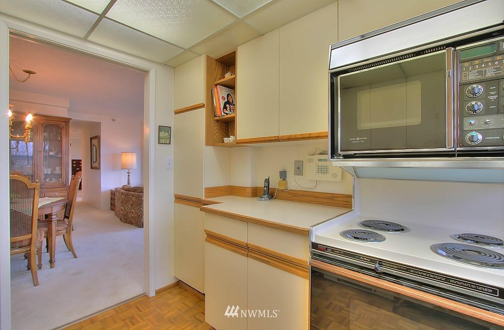 Sold Property | 1120 Spring Street #602 Seattle, WA 98104 4