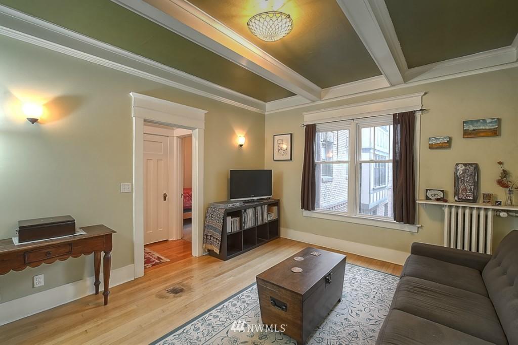 Sold Property | 409 16th Avenue E #9 Seattle, WA 98112 4