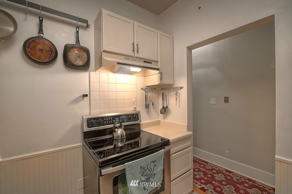 Sold Property | 409 16th Avenue E #9 Seattle, WA 98112 12
