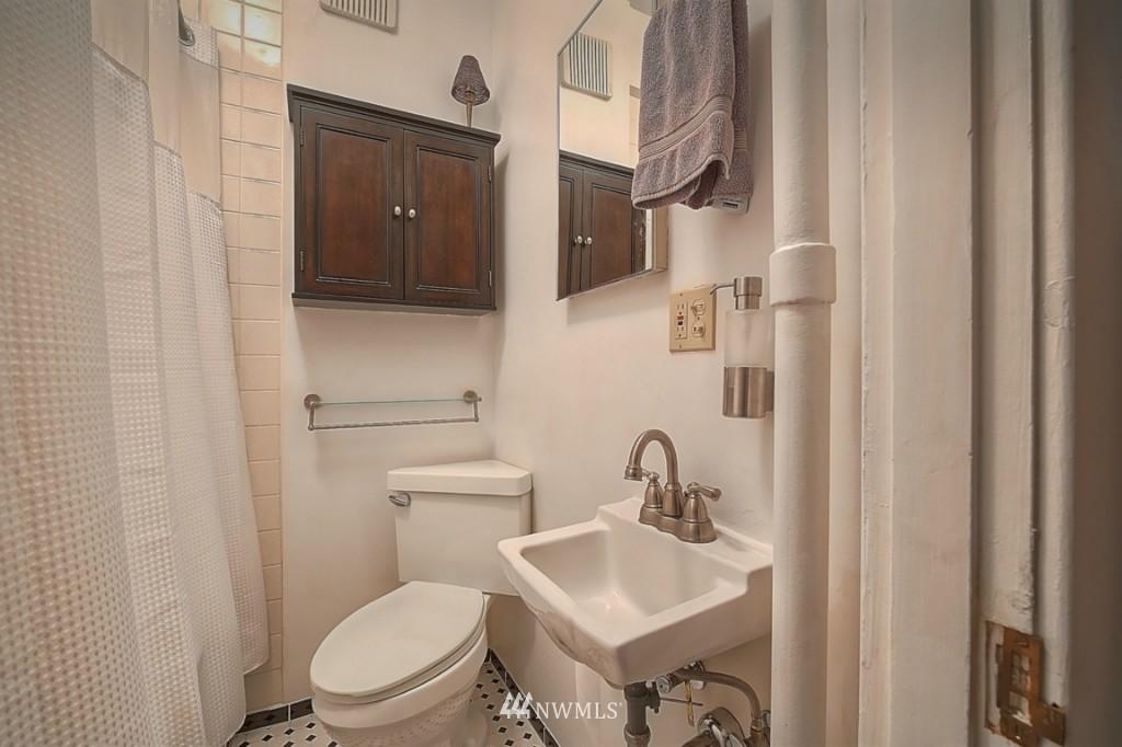 Sold Property | 409 16th Avenue E #9 Seattle, WA 98112 15
