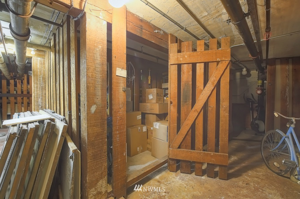 Sold Property | 409 16th Avenue E #9 Seattle, WA 98112 18