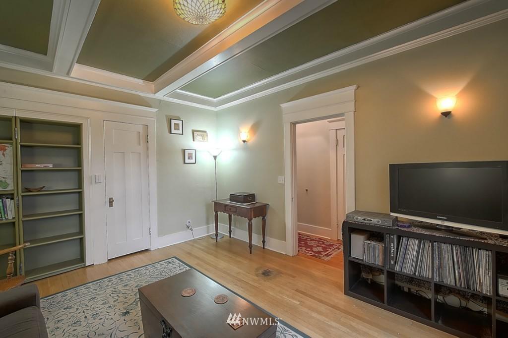 Sold Property | 409 16th Avenue E #9 Seattle, WA 98112 7